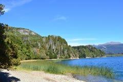 Jezioro przy Los Alerces parkiem narodowym, Esquel, Argentyna Obrazy Stock