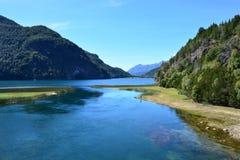 Jezioro przy Los Alerces parkiem narodowym, Esquel, Argentyna Zdjęcia Stock