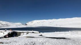 Jezioro przy losu angeles Cumbre przepustką przy elewacją 15.400 ft w losie angeles Paz, Boliwia Zdjęcie Stock