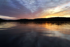 Jezioro przy zmierzchem Obraz Royalty Free