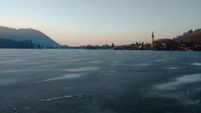 Jezioro Schliersee w lodzie Obrazy Stock