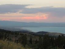 Jezioro w dolinie Fotografia Royalty Free