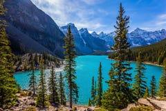 Jezioro w dolinie Dziesięć szczytów Zdjęcia Royalty Free