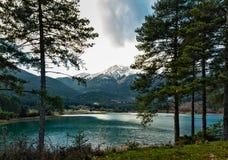 Jezioro w górach Obrazy Stock