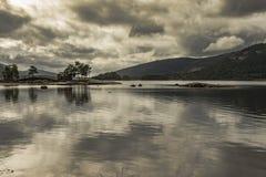 Jezioro w ostatnim świetle dzień Zdjęcie Stock