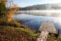 Jezioro w spadku lesie, Kanada Obraz Stock