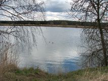 Jezioro w wiośnie zdjęcie stock