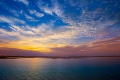 Jezioro, woda, wiosna, lato, wschód słońca - świt fotografia royalty free