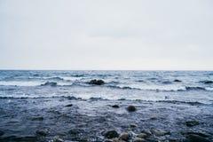 Jezioro z kamieniami Obrazy Royalty Free