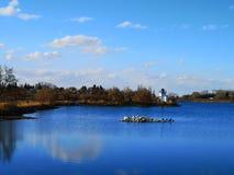 Jezioro z latarnią morską obraz royalty free
