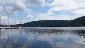 Jezioro z łodziami Obraz Stock