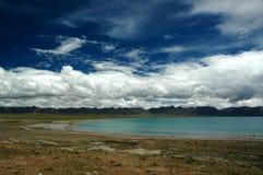jezioro zbożowy tybetańskiej widoczne Obrazy Stock