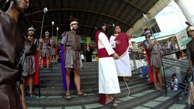 Jezus Chrystus przynoszący próba Romańskimi władzami zbiory wideo