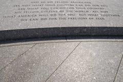 JFK在阿灵顿公墓的讲话题字 免版税图库摄影