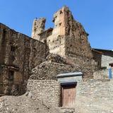 Jharkot by, trekking slinga för rund Annapurna strömkrets royaltyfri bild