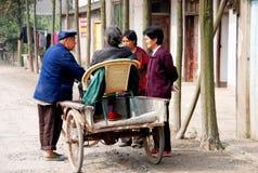 Jia blême, Chine : Femme dans le chariot de bicyclette Photo libre de droits