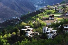 Jiaju Tibetaans dorp van Sichuan van China Stock Afbeeldingen