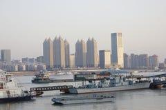 Jianghanstraat en Yangz-Rivier Overgangwuhan stad (China) Stock Foto's