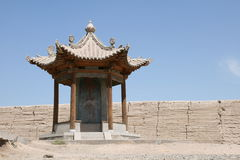 Jia的Yu Guan,丝绸之路古老中国塔 库存照片