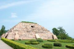 JILIN KINA - Juli 27 2015: Mausoleum av konungen Jangsu (gravvalv av th Arkivfoto