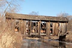 Jim McClellan Covered Bridge in de Winter Stock Foto's