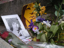 Jim Morrisons Grab, Père Lachaise Cemetery, Paris, Frankreich Lizenzfreie Stockfotografie