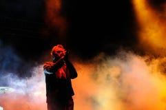 Jim Reid sångaren av Jesus och Mary Chain, utför på den Heineken Primavera ljudfestivalen 2013 Royaltyfri Foto