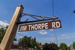 Jim Thorpe Rd Sign i Carlisle Royaltyfri Bild