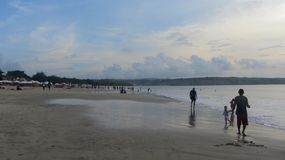 Jimbaran strand, Bali ö som är indonesisk arkivfoton