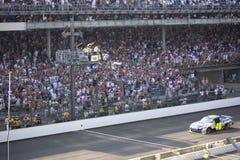 Jimmie Johnson toma a bandeira Checkered Foto de Stock Royalty Free