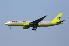 Jin Air Boeing 777-200 flygplanSeoul Incheon International Airp Fotografering för Bildbyråer