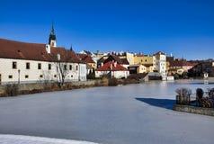 Jindrichuv Hradec - небольшое Vajgar и исторические здания стоковая фотография rf