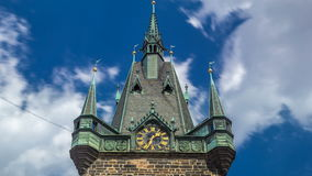 Jindrisska Góruje timelapse - wysoka dzwonnica w Praga zdjęcie wideo
