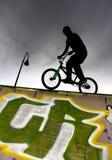 Jinete de BMX Fotografía de archivo libre de regalías
