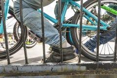 Jinete de la bici de BMX Imágenes de archivo libres de regalías