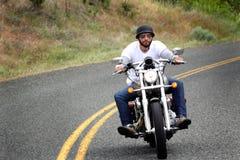 Jinete de la bici del país de la colina Imágenes de archivo libres de regalías