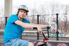 Jinete de la bicicleta fotografía de archivo libre de regalías