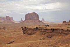 Jinete en valle del monumento Imagen de archivo libre de regalías