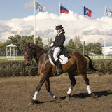Jinete hermoso de ROSTOV-ON-DON, RUSIA 22 de septiembre - en un caballo Foto de archivo libre de regalías