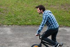 Jinete urbano de BMX Imagen de archivo