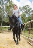 Jinete y caballo de la mujer Foto de archivo libre de regalías