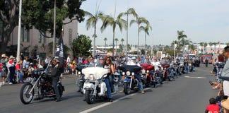Jinetes de la motocicleta de Harley-Davidson Imágenes de archivo libres de regalías