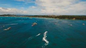 Jinetes en el esquí del jet Isla Filipinas de Boracay almacen de video