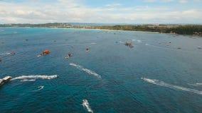 Jinetes en el esquí del jet Isla Filipinas de Boracay metrajes