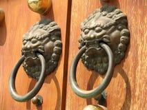 jing tempel för dörrhandtag royaltyfri foto
