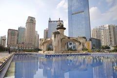 Jinhu fyrkant i huvudstaden av Guangxi Zhuang den autonoma regionen: Nanning Royaltyfria Foton
