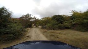 Jipe nas montanhas ir-pro video estoque