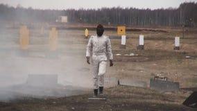 Jippoflicka i en brännhet explosion arkivfilmer