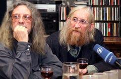 Jiri Kabes och Vratislav Brabenec, medlemmar av legendarisk musik sätter band plast- folk av universumet Royaltyfria Bilder