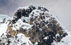 Jirishanca, кордильеры Huayhuash, Перу Стоковое фото RF